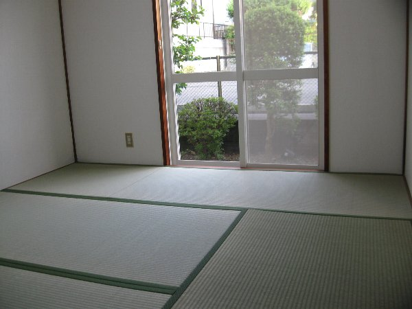 キャッスル第2 103号室の居室