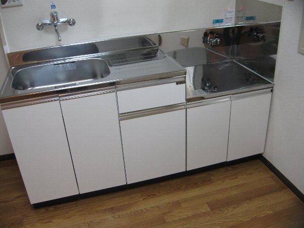 キャッスル第2 103号室のキッチン