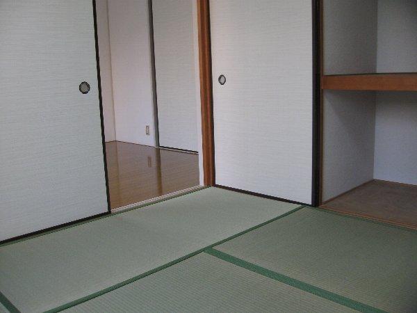 キャッスル第2 103号室の収納