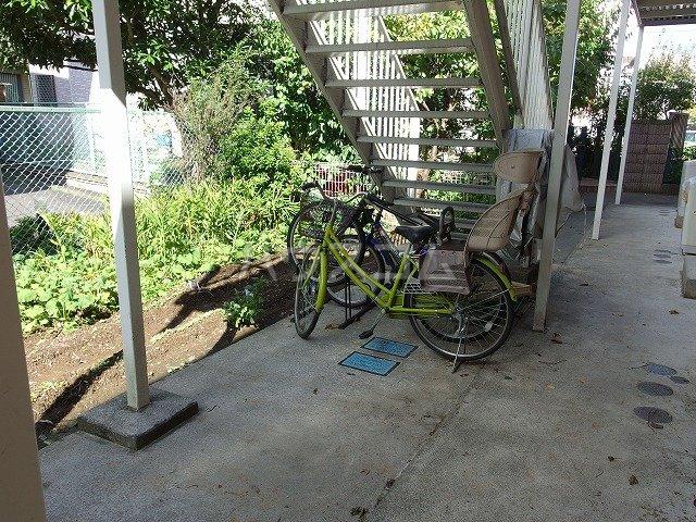 ピアシティナカムラ 203号室の駐車場