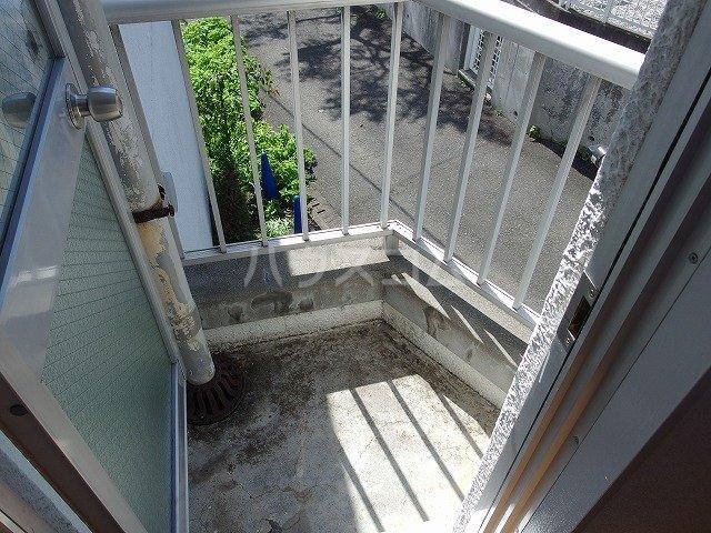 ヤングライフ霞ヶ関 302号室のバルコニー