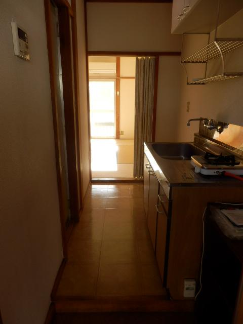 サンハイツ 212号室の玄関
