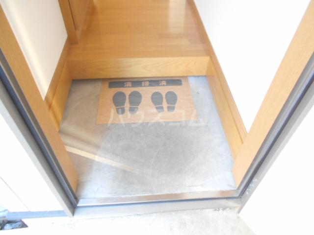 コーポ樹 201号室の玄関