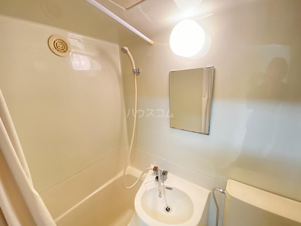 コーポ二葉2号A棟 106号室の洗面所