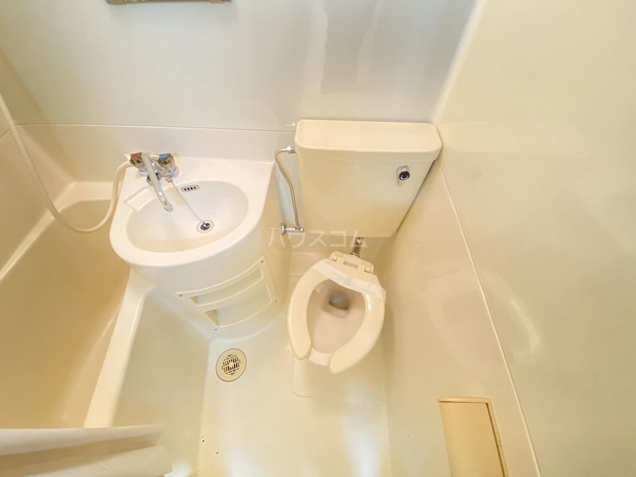 コーポ二葉2号A棟 106号室のトイレ