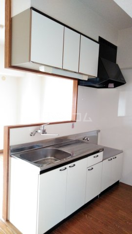 ドルフ 302号室のキッチン