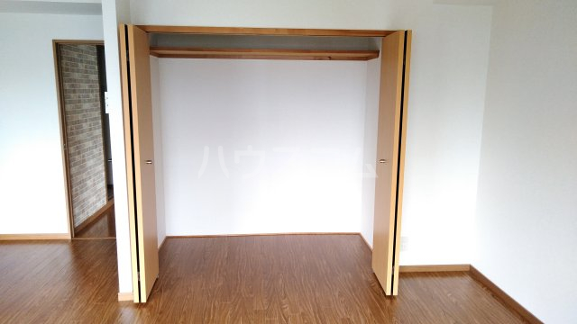 ドルフ 302号室の収納