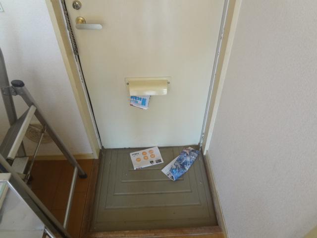 エステートピア シムラⅠ 102号室の玄関