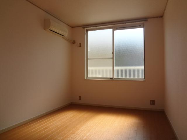 エステートピア シムラⅠ 102号室のリビング