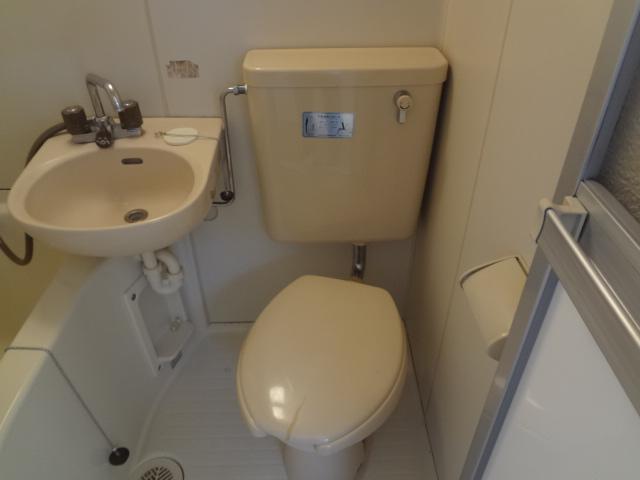 エステートピア シムラⅠ 102号室のトイレ