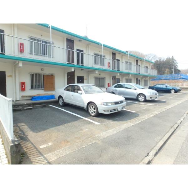 グリーンバレー 102号室の駐車場