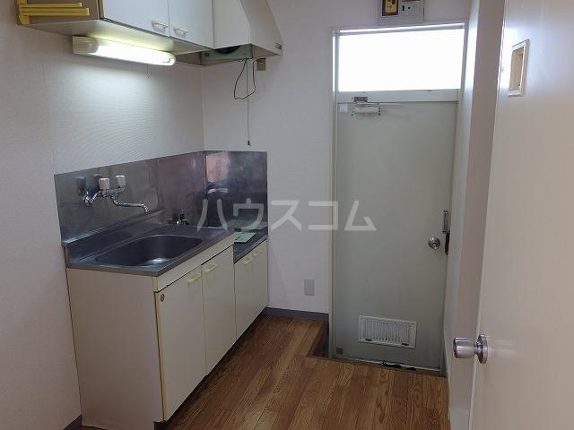伊野ハイツ 205号室のキッチン