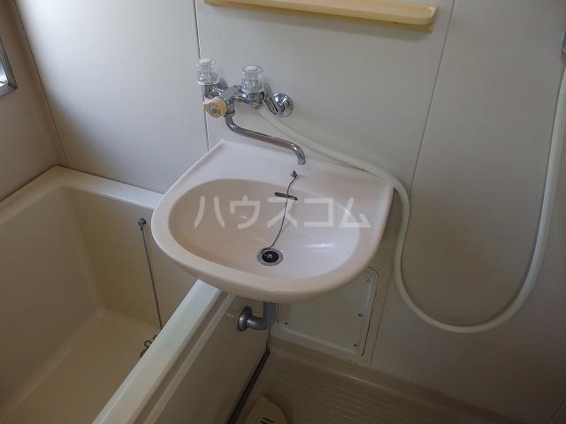 伊野ハイツ 205号室の洗面所