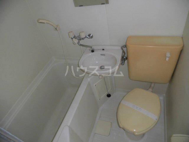 エクセランス滝山B 201号室の風呂