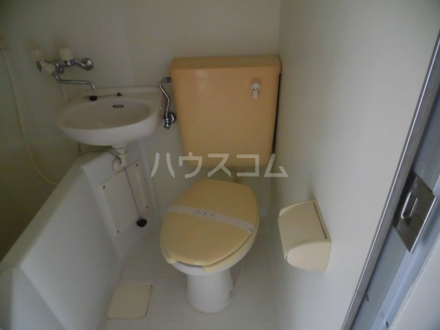 エクセランス滝山B 201号室のトイレ