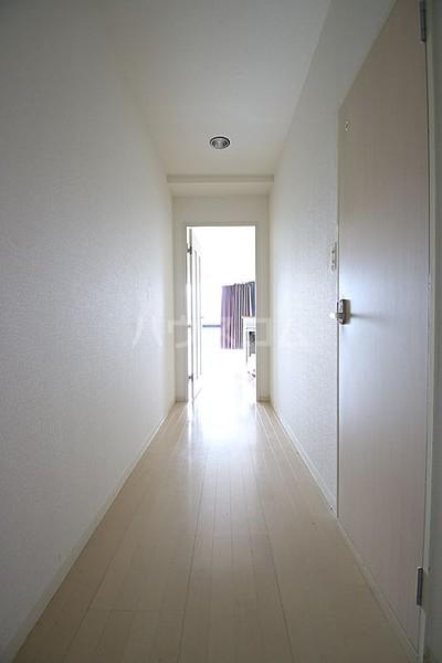 エ・スパシオ名西 201号室の玄関