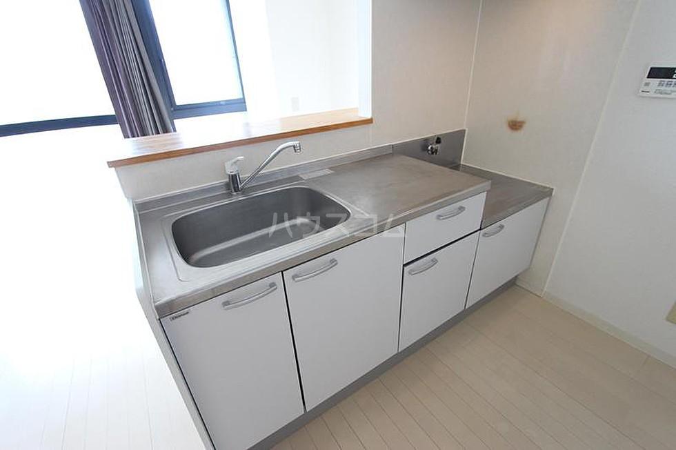 エ・スパシオ名西 201号室のキッチン