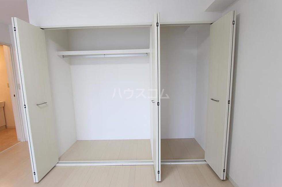 エ・スパシオ名西 201号室の収納