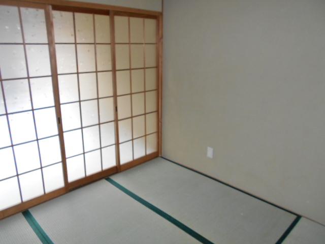 緒川荘 201号室のリビング