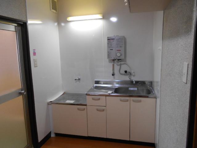 緒川荘 201号室のキッチン