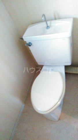 レヂデンス上条 101号室のトイレ