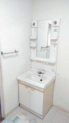 レヂデンス上条 101号室の洗面所