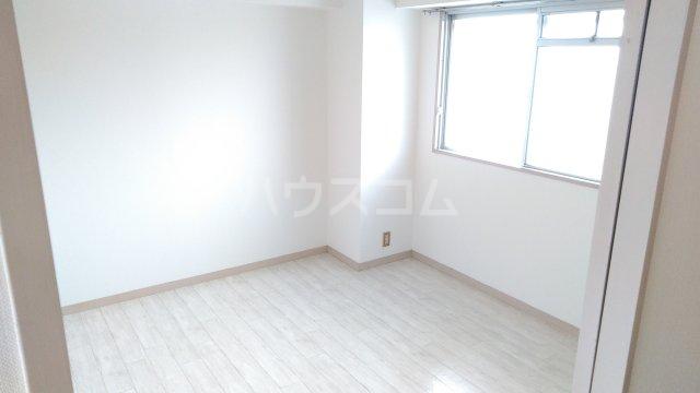 アーベインハイツ雅 3A号室の居室