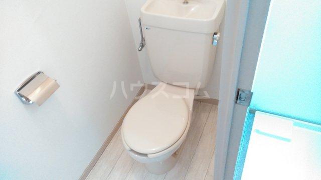 アーベインハイツ雅 3A号室のトイレ