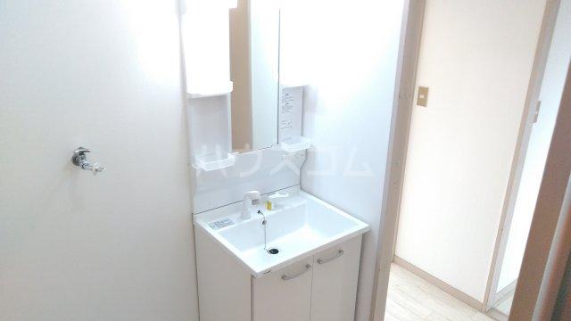 アーベインハイツ雅 3A号室の洗面所