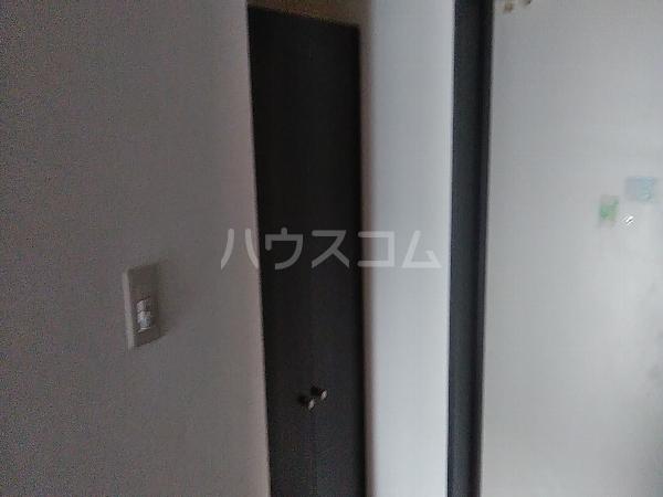 クレスト 101号室の玄関