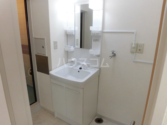 西山ハイツ 101号室の洗面所