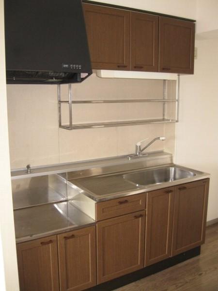 ガーデン山内 206号室のキッチン