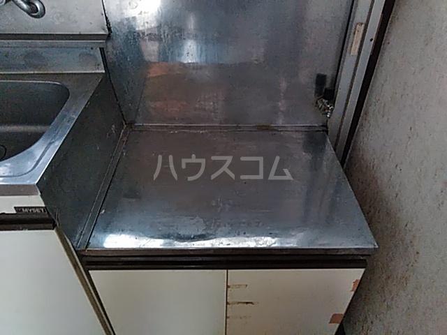 第一落合荘 102号室のキッチン