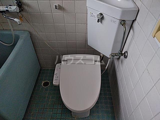第一落合荘 102号室のトイレ