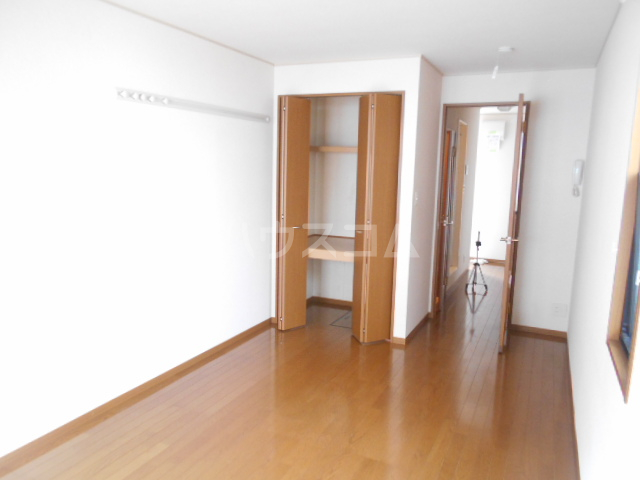 キャッスルハウス 102号室の居室