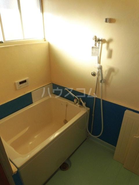 緑荘 201号室の洗面所