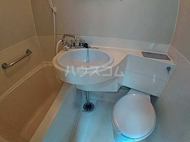沢井コーポ 101号室のトイレ