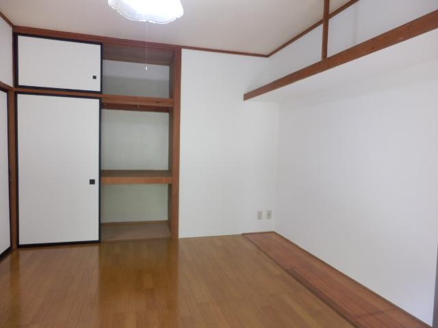 グリーンハイツ 301号室の収納