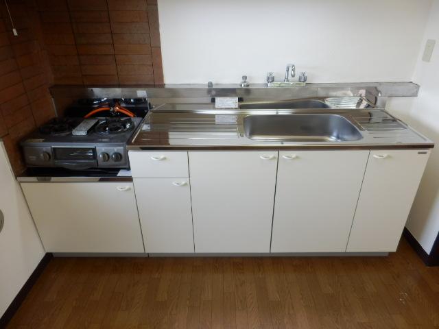 グリーンハイツ 301号室のキッチン