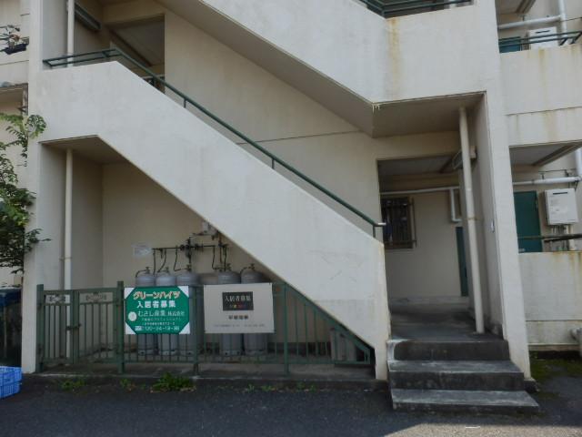 グリーンハイツ 301号室のエントランス
