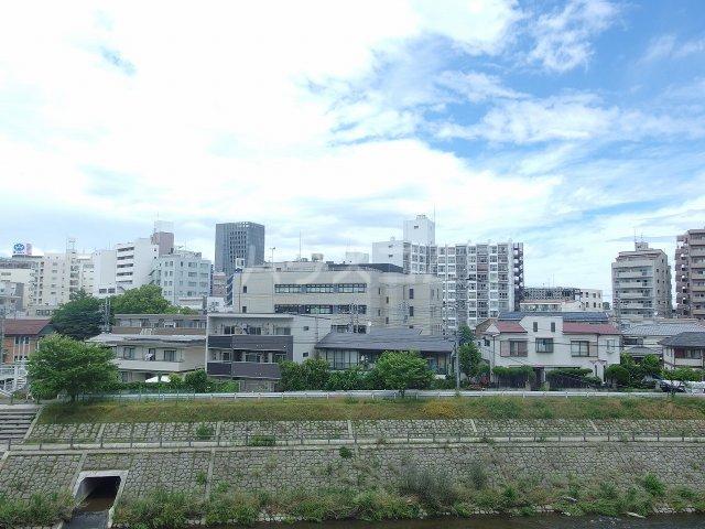 ウィンド聖蹟桜ヶ丘 303号室の景色