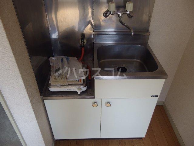 ヴィラ桜ヶ丘 205号室のキッチン