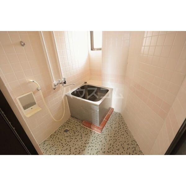 第2グリーンタウン金城 3B号室の風呂