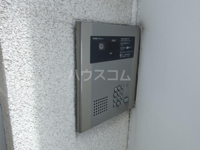 SOLID聖蹟桜ヶ丘弐番館 102号室のセキュリティ