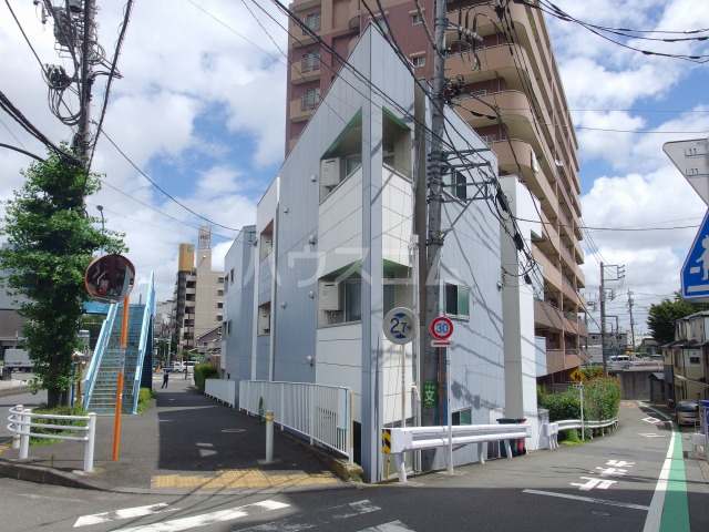 SOLID聖蹟桜ヶ丘弐番館 102号室の外観