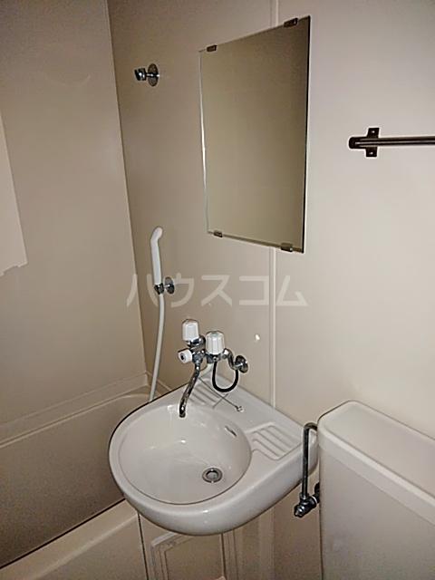 ノースシティーレジデンス 104号室の洗面所