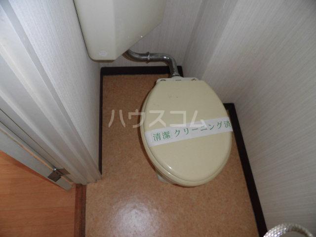 ヴェルデ散田 201号室のトイレ