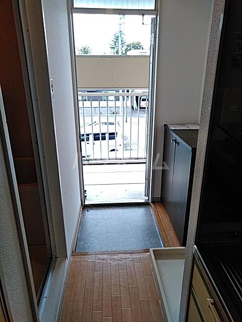 エントピアKT 203号室の玄関