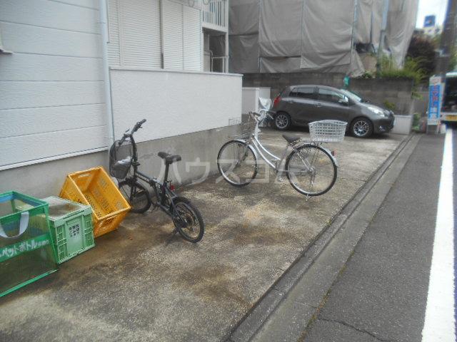 ハイム瀬里菜 201号室の駐車場