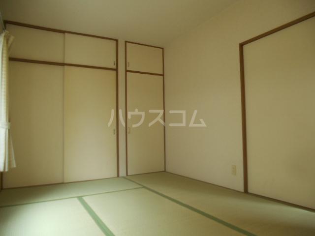 ハイム瀬里菜 201号室の居室
